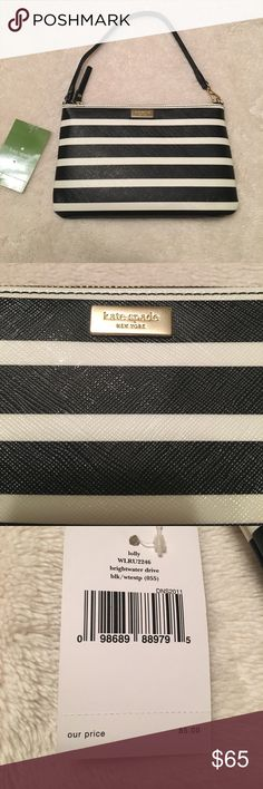 """NWT Kate Spade Wristlet NWT Kate Spade black and white striped wristlet. Measures approximately 8""""wide X 5"""" length. Great deal! kate spade Bags Clutches & Wristlets"""