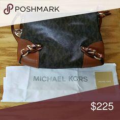 """NWOT Authentic Michael Kors Purse Size 9 X 12.5""""   Comes with dust bag! Michael Kors Bags Shoulder Bags"""