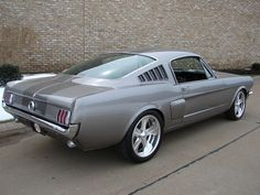 Pepper Grey Mustang 351/427 HP 5-speed Pro Touring - what a beautiful car!