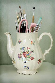 teapot pencil holder