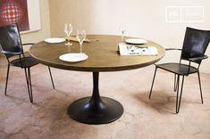 La mesa redonda Liverpool es una mesa industrial grande que puede destacar en cualquier salón o cocina.
