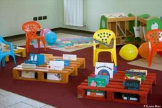 Old Pallets Ideas Pallet Furniture for Kids-Pallet Ideas for Kids Room and Furniture - The versatility of pallets can be appreciated in many different ways with almost free of charge. Making pallet furniture for kids is one of the great ideas. Pallet Crafts, Diy Pallet Projects, Projects For Kids, Diy For Kids, Making Pallet Furniture, Diy Kids Furniture, Furniture Outlet, Discount Furniture, Pallet Racking
