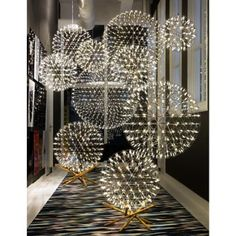 Steelcase and Moooi partnered together to bring modern rugs, lighting, furniture, and accessories with a timeless and innovative aesthetic. Cool Lighting, Modern Lighting, Lighting Design, Wood Chandelier, Modern Chandelier, Chandeliers, Home And Deco, Solar Lights, Lamp Design