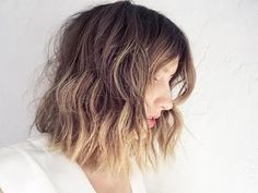 Short hair flat iron waves is the tutorial for today. Done on one of my favorite you tubers Jen of https://www.youtube.com/user/iamlikehearted/featured Secon...