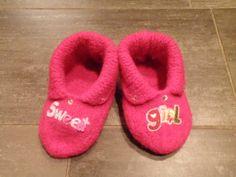 Tøfler Baby Shoes, Knitting, Crochet, Fashion, Moda, Tricot, Baby Boy Shoes, Breien, Crochet Crop Top