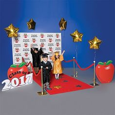 Preschool Apple Walk of Fame Complete Prop Set - Set the stage for a great graduation.