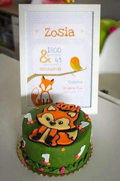 My baby 1st birthday cake 💚💛💜 fox cake