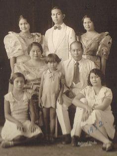 Cebu Politics Philippines: Cebu's Cuenco Family in 1932 Philippines People, Philippines Fashion, Philippines Culture, University Of Santo Tomas, Filipino Fashion, Filipino Culture, Filipiniana, European American, Evolution Of Fashion