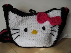 Hello Kitty crochet messenger bag