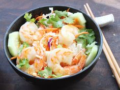 Skillet rice noodle bowl with shrimp and vegetables - My favorite thing to get at a Vietnamese restaurant!