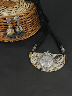 Join the bandwagon of Fabric Jewellery for Kalamkari is a traditional handblock printing technique. Diy Fabric Jewellery, Textile Jewelry, Handmade Jewellery, Handmade Necklaces, Bib Necklaces, Necklace Set, Kalamkari Fabric, Colar Fashion, Fashion Jewelry Stores