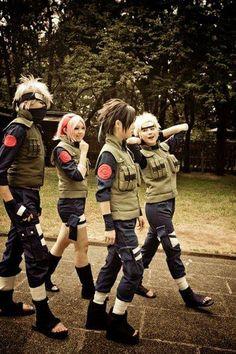 Kakashi, Sakura, Sasuke and Naruto - Naruto Shippuden cosplay