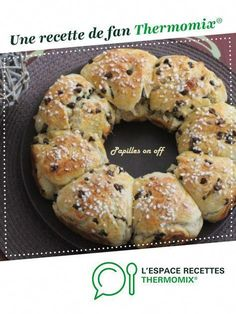 Ultra soft brioche with chocolate chips by Papilles-on-off. A fan recipe to find in the Desserts & Confectionery category on www.espace-recett …, of Thermomix®. Brunch Recipes, Breakfast Recipes, Snack Recipes, Köstliche Desserts, Delicious Desserts, Zucchini Tarte, Lidl, Dessert Thermomix, Crepes