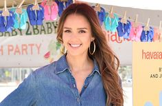 Jessica Alba soaks up the sun while paddleboarding in Hawaii -- see the pic!