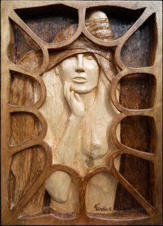 Scultura in legno:  Donna (2012)