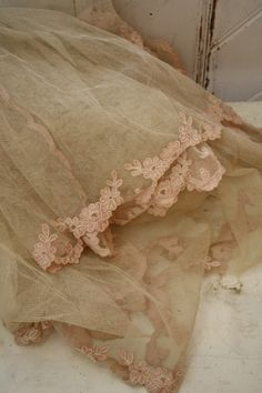 vintage lace and tulle veil Antique Lace, Vintage Lace, Pearl And Lace, Romantic Lace, Linens And Lace, Country Chic, Crochet Lace, Pretty In Pink, Vintage Antiques