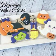 Come join myself & @sweetmissyscustomcookies for our Beginner Halloween Cookie Class on Sat, Oct 14th at @paintandsipstudio in Temecula from 11:30-2!   All class details and Registration link can be found on my Facebook page or at https://halloweencookie.eventbrite.com **ONLY A FEW TICKETS LEFT** #cookieclass #cookieclasses #cookiedecorating #royalicing #edibleart #temecula #temeculaevents #murrieta #murrietaevents #inlandempire #artclasses #socalevents #southerncalifornia #halloweencookies