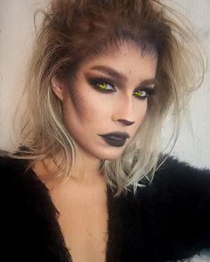 Are you looking for inspiration for your Halloween make-up? Check this out for cute Halloween makeup looks. Diy Halloween Face Makeup, Yeux Halloween, Wolf Halloween Costume, Halloween Party Kostüm, Werewolf Costume, Halloween Inspo, Halloween Looks, Scary Halloween, Wolf Make Up Halloween