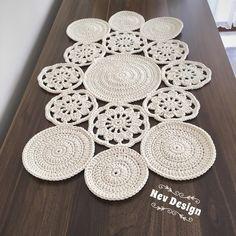 Crochet Table Runner Pattern, Crochet Placemats, Crochet Doily Diagram, Filet Crochet, Crochet Motif, Crochet Designs, Knitting Designs, Crochet Doilies, Crochet Patterns