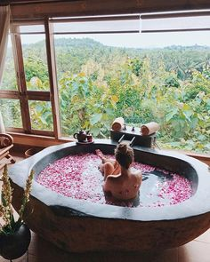 "An herbalist once told me that ""bathing is the most sacred act of healing"". An alchemist later reminded me that baths help nourish introverts and people with a lot of tension or anxiety, because… Entspannendes Bad, Floral Bath, Relaxing Bath, Dream Bathrooms, Spa Day, Luxury Life, Bath Time, Nice View, Resort Spa"