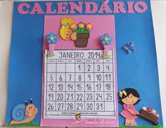 Painel Escolar Calendário feito em e.v.a. para decoração de sala de aula.
