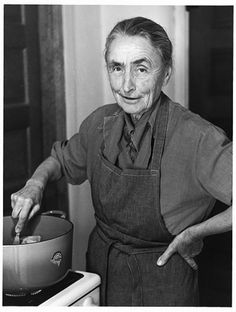 Georgia O'Keeffe.  What an amazing, kick-ass woman.  Not only her paintings, but her words and also photographs of her leave me speechless.