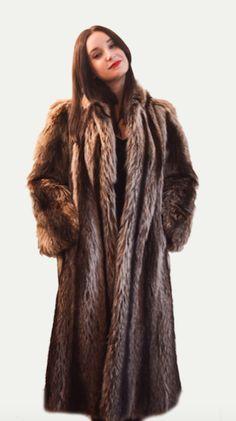 1980's Vintage Petite Small 3/4 length Raccoon Fur Coat – BareFur #fur #vintage #vintagefur #vintagefurcoat #raccoonfur #fashion #fashionista #style #shop #shopping