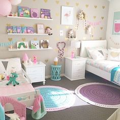 teenager zimmer m dchen ideen hell lila wohnung pinterest teenager zimmer schlafzimmer. Black Bedroom Furniture Sets. Home Design Ideas