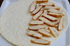 Quesadilla cu pui - CAIETUL CU RETETE Quesadilla, Fajitas, Enchiladas, Bread, Desserts, Food, Tailgate Desserts, Deserts, Quesadillas
