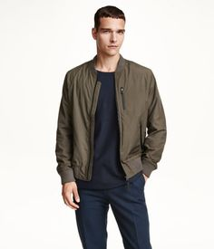 Add this classic & cool khaki green aviator jacket to your style rotation. | H&M For Men