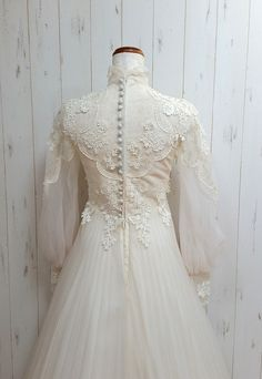 Wedding Dress Funky Mother Of The Bride Outfits Long Sleeve Dress For Wedding Lace Back Wedding Dress Dusty Rose Pink Bridesmaid Dresses – inloveshe Lace Back Wedding Dress, Muslim Wedding Dresses, Wedding Lace, Wedding Vintage, Vestidos Vintage, Funky Dresses, Vintage Dresses, Dusty Rose Dress, Pink Bridesmaid Dresses