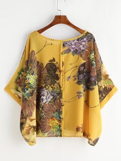 Shop Flower Print Button Back Chiffon Blouse online. SheIn offers Flower Print Button Back Chiffon Blouse & more to fit your fashionable needs. Look Fashion, Hijab Fashion, Fashion Dresses, Blouse Styles, Blouse Designs, Mode Kimono, Blouse Online, African Dress, Summer Tops