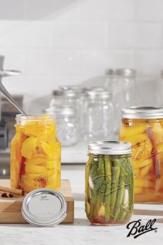 Ball Canning Recipe, Canning Tips, Home Canning, Canning Recipes, Canning Peaches, Canned Food Storage, Mason Jar Meals, Homemade Sauce, Food Videos