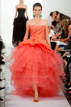 Oscar de la Renta Spring 2014 | strapless | coral | tiered tulle | bustle | evening gown | high fashion