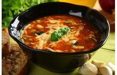 Włoska zupa minestrone - przepis z portalu Przepisy.pl