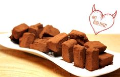 Chili Chocolate Truffles - Chili peppers are among the world's most popular and potent aphrodisiacs. Spicy Chili, I Want To Eat, Truffles, Fudge, Good Food, Food And Drink, Favorite Recipes, Sweets, Stuffed Peppers