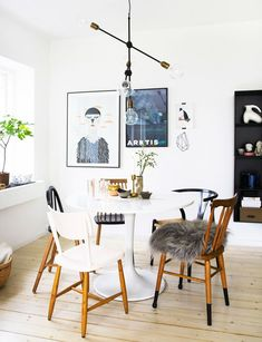 How to Rock Mismatched Dining Chairs. Here are 15 dining room inspirations that rock mismatched dining chairs. Design tips from designer, Kellie Smith Dining Room Design, Traditional Dining Chairs, Mismatched Dining Chairs, Dining Room Trends, Chair, Furniture, Dining Room Inspiration, Home Decor, Mismatched Chairs