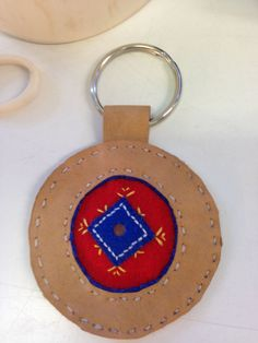 Summer Camp Crafts, Camping Crafts, Frugal Christmas, Christmas Crafts, Olympic Medal Craft, Diy And Crafts, Crafts For Kids, Reindeer Craft, Textiles