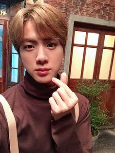 Jin 🐑 muster in busan Bts Jin, Jimin, Jungkook Jeon, Bts Bangtan Boy, Bts Boys, Jhope, Seokjin, Namjoon, Foto Bts