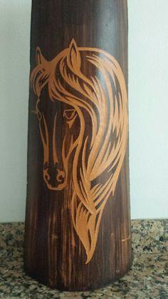 caballo tallado