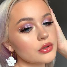 Makeup Goals, Makeup Inspo, Makeup Inspiration, Makeup Ideas, Kiss Makeup, Beauty Makeup, Beauty Dish, Rhinestone Makeup, Creative Makeup Looks