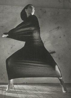 pnguye:    unknown model wearing yohji yamamoto by javier vallhonrat for vogue paris september 1990