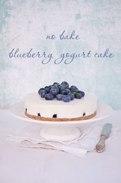 No Bake Blueberry Yogurt Cake - BakeNoir.com