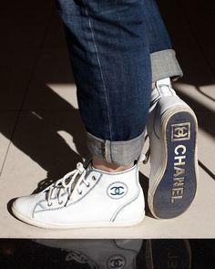 Chanel @}-,-;--