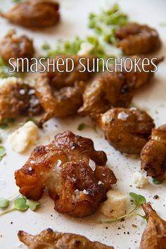 Smashed and Fried Sunchokes - the edges get super crispy and the interior stays soft and almost fluffy. Veggie Side Dishes, Vegetable Dishes, Sunchokes Recipes, Jerusalem Artichoke Recipe, Artichoke Recipes, Vegetable Recipes, Cooking Vegetables, Healthy Eating, Healthy Grains