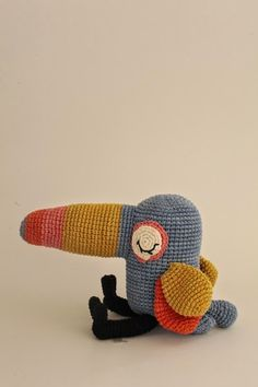 Tucan bird by Los Sospechosos. Such a cutie.