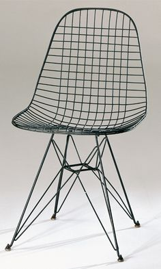 "Charles and Ray Eames, 1951,""DKR, ""Dining High,"" ""K-Wire Shell,"" ""R-Wire Base,"" ""Wire Chair,"" varnished wire,  Vitra AG, Basel, Herman Miller Furniture Company. http://www.design-museum.de/en/collection/100-masterpieces/detailseiten/dkr-eames.html#c2302"