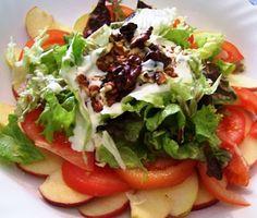 Ensalada de manzanas, nueces y salsa de yogur (Waldorf Salad)