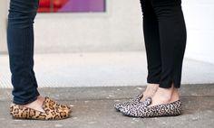 Conforto é lei. Quem adora sapatos já deve ter ouvido falar dos slippers, não é? Depois do sucesso dos exfords e mocassins, que revisitam o armário masculino, os slippers são os queridinhos da vez.…
