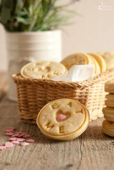 biscotti alla vaniglia con crema al latte